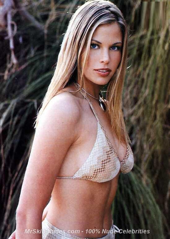Brooke Burns  nackt
