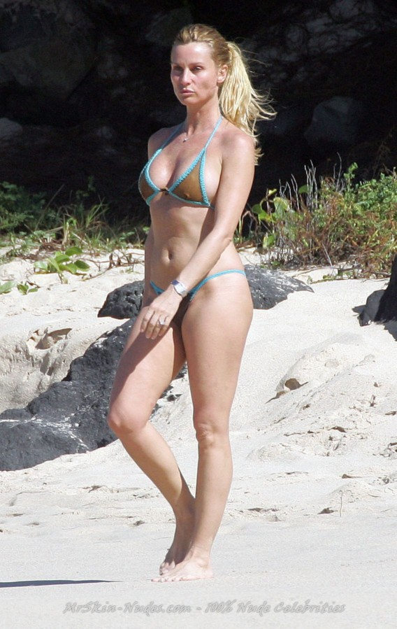 Nicollette Sheridan Nude Pics 109