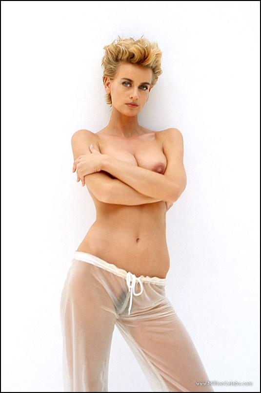 Nude daphne deckers