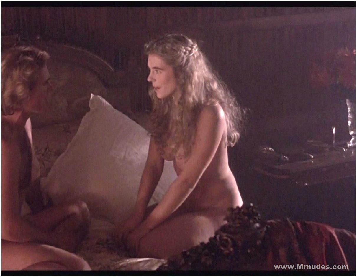 Elizabeth Hurley Naked Photos 62
