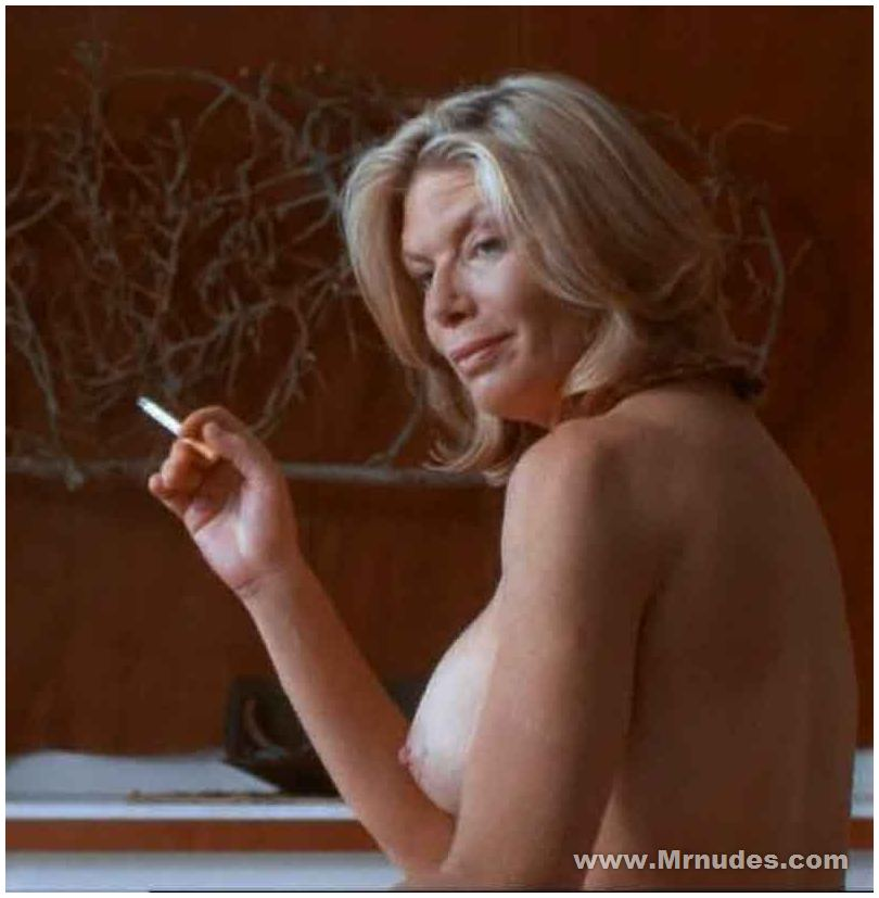 Kelly mcgillis topless