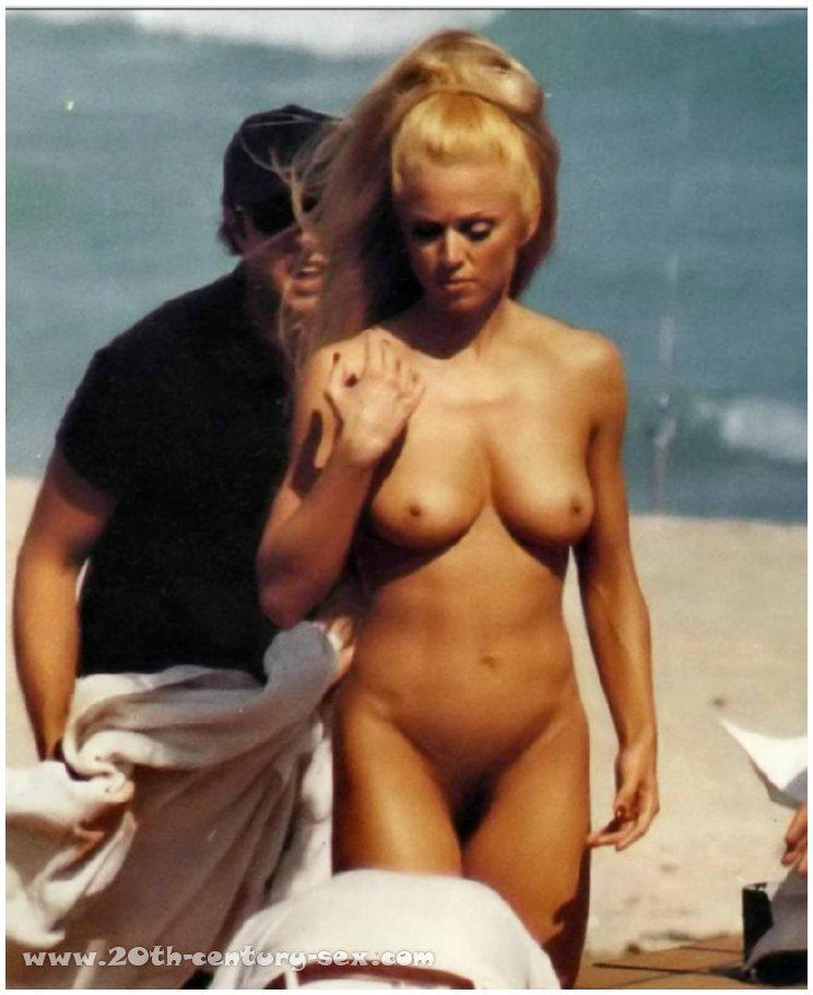 nude starcelebs Madonna