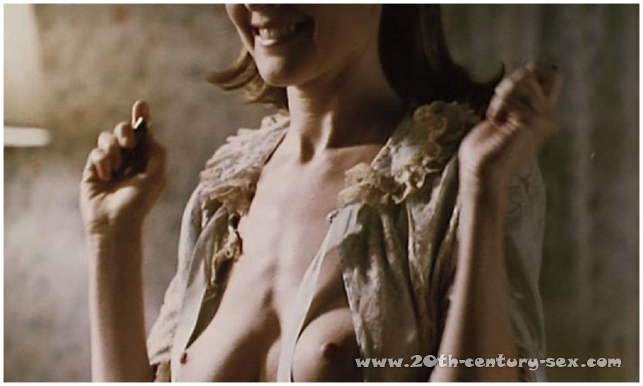 Marcia cross naked shower photos