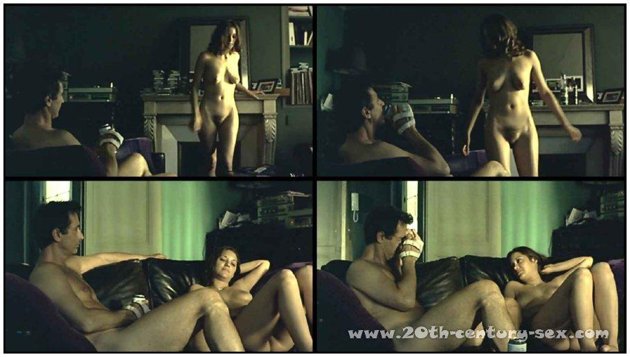 порно фото голая марион котияр