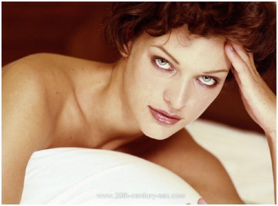 Milla Jovovich Naked Photos. Free Nude Celebrities