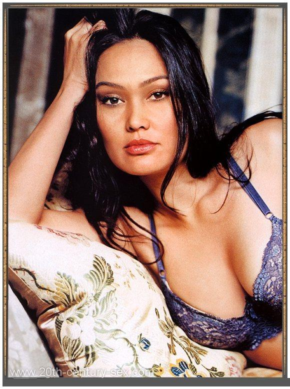 click here to see more pictures amp videos of tia carrere