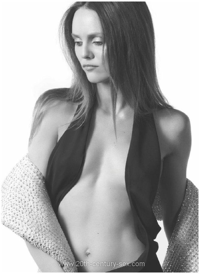 Vanessa paradi nude pic 797